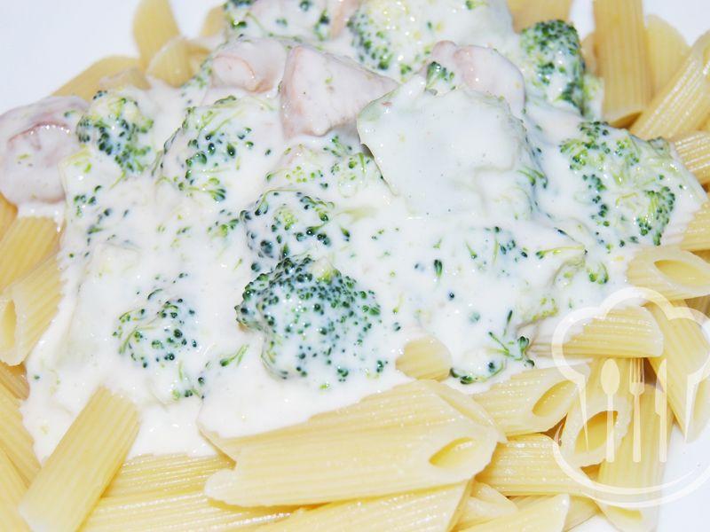 Kuracie prsia - s brokolicou v syrovej omáčke