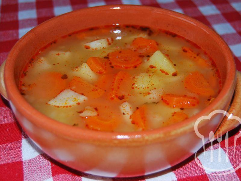 Polievka - zemiaková s koreňovou zeleninou